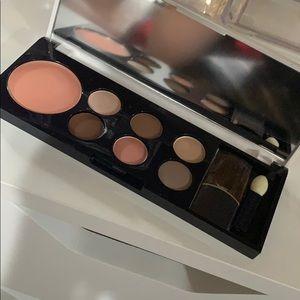 Estee Lauder Lisa Perry eyeshadow palette